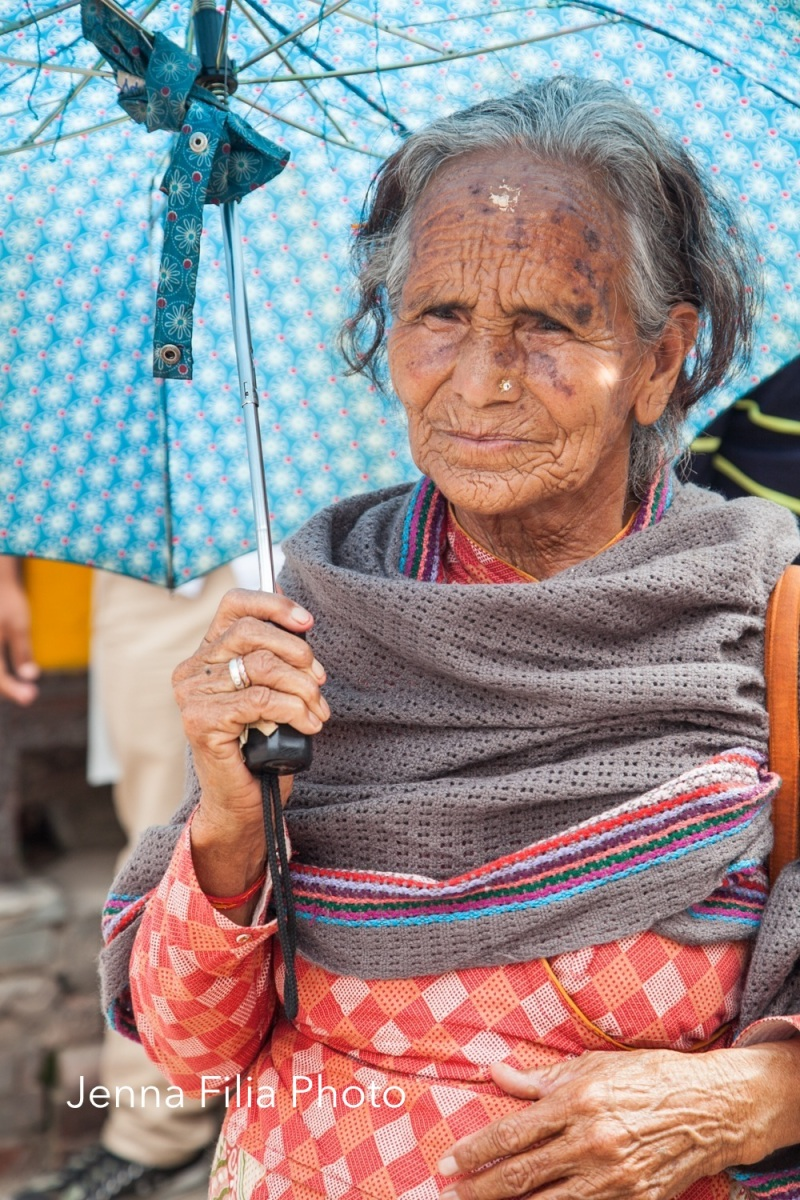 Woman with umbrella, Pashupati-5